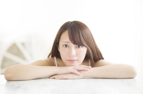waiting-woman
